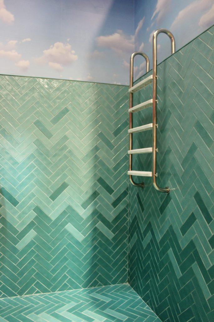onde-usar-revestimento-ceusa-piscina-com-revestimento-degrade