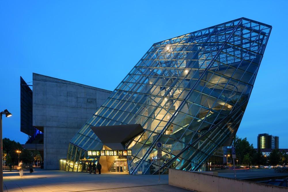wolf-d-prix-ufa-cinema-center