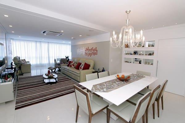 Como escolher piso: sala de jantar com piso porcelanato (projeto: Lorrayne Zucolotto)
