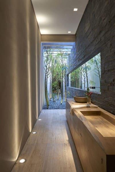 Projeto de banheiro de casal: exemplo de bancada externa