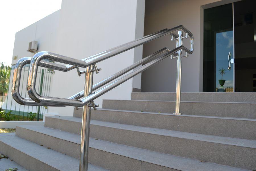 acessibilidade-na-arquitetura-corrimao