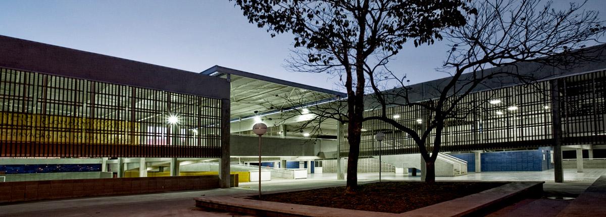 acessibilidade-na-arquitetura-escola-votorantim-noite
