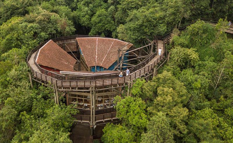 arquitetos-curitiba-domingos-bongestabs-universidade-livre-do-meio-ambiente-topo