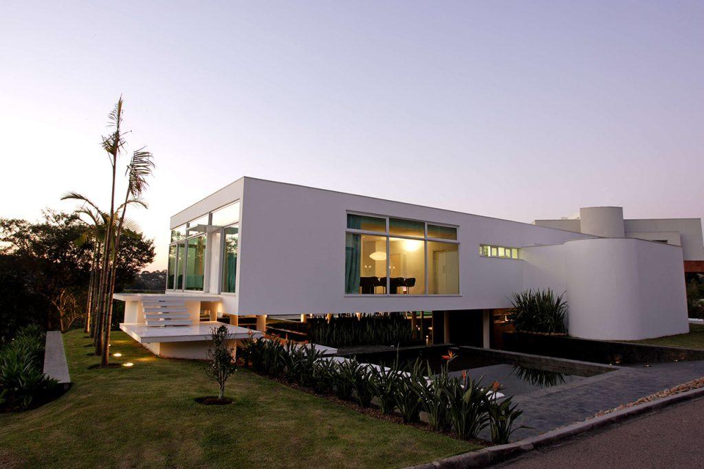 arquitetos-curitiba-marcos-bertoldi-casa-da-pedreira-entrada