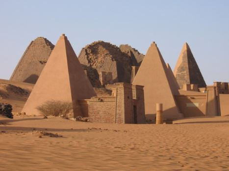 arquitetura-africana-piramide-do-sudao