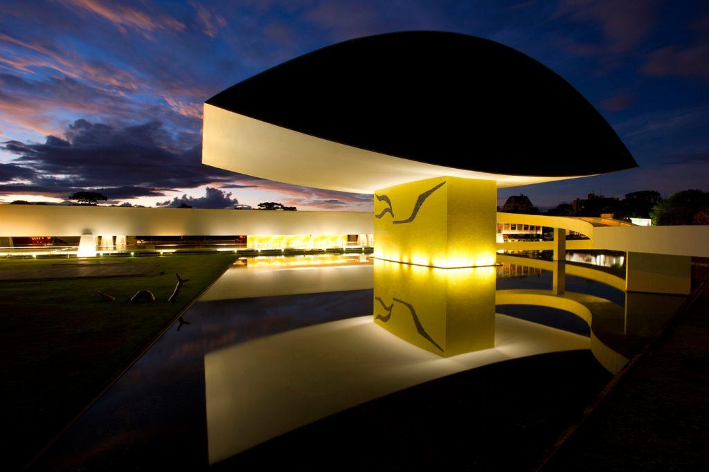 arquitetura-curitiba-museu-oscar-niemeyer