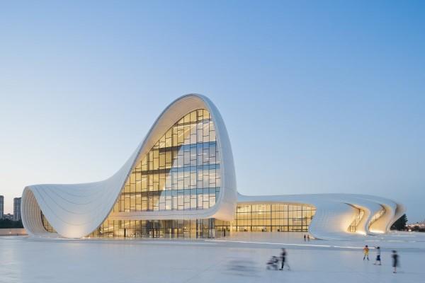 deconstructivismo-en-arquitectura-centro-heydar-aliyev