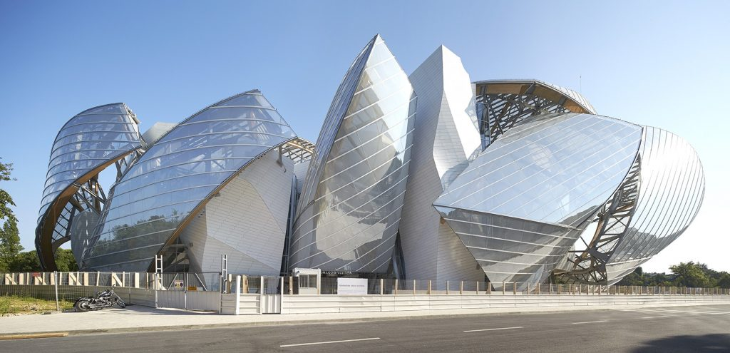 desconstrutivismo-na-arquitetura-louis-vuitton-foundation