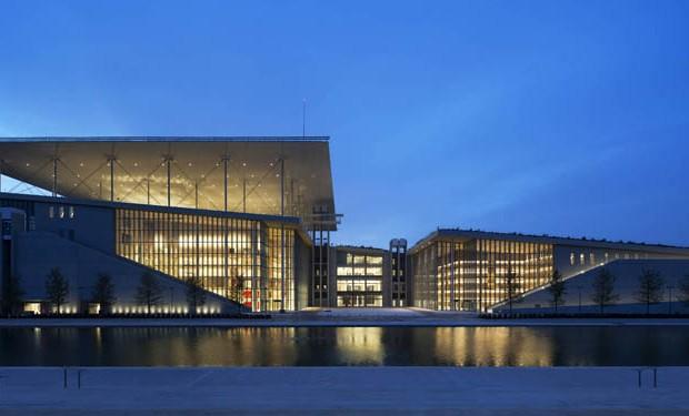 deconstructivismo-en-arquitectura-nuevo-museo-de-la-acrópolis