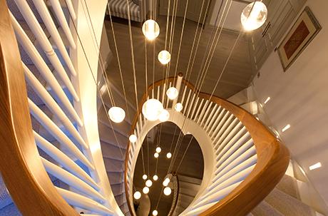o-que-e-lighting-design-escada
