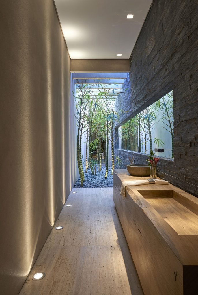 projeto-banheiro-casal-bancada-externa