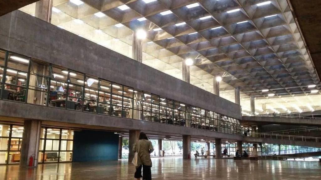 vilanova-artigas-fau-interior