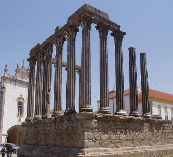 Arquitetura grega: Templo de Diana