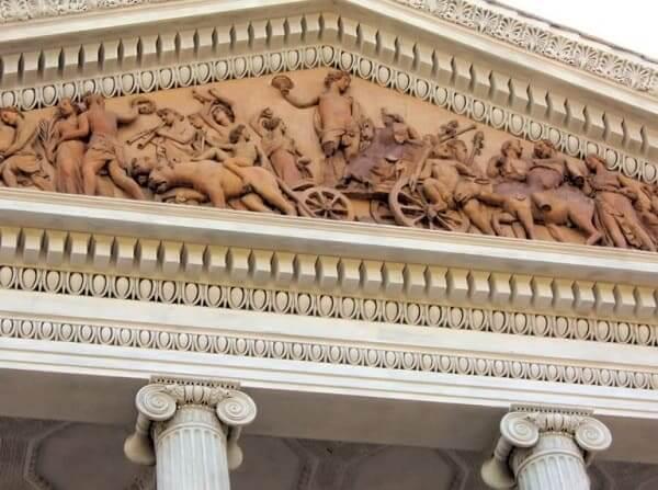 Arquitetura romana: frontão romano