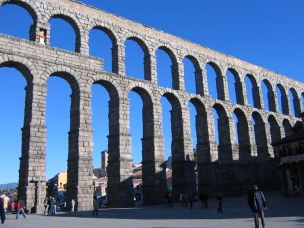 Estilos de arquitetura: Aqueduto