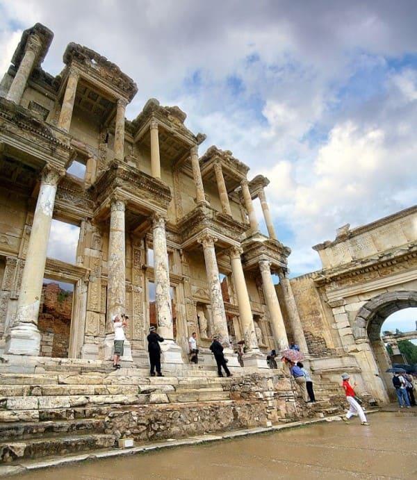 Estilos de arquitetura: Biblioteca de Celso