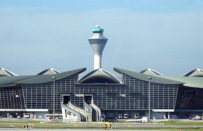 arquitetura-asiatica-aeroporto-internacional-de-kuala-lumpur