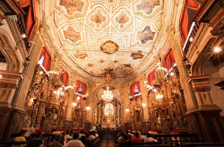 arquitetura-barroca-interior-igreja-nossa-senhora-do-pilar