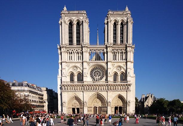 arquitetura-gotica-fachada-notre-dame