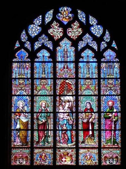 arquitetura-gotica-vitrais