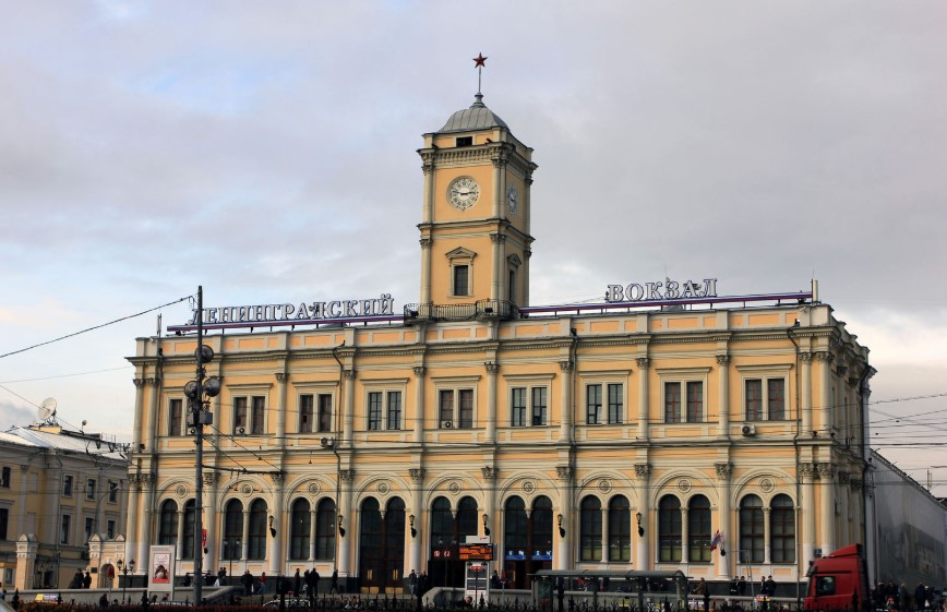 arquitetura-russa-estacao-leningradsky