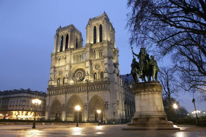 arte-y-arquitectura-catedral-sagrada-de-notre-dame