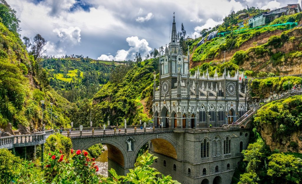 arte-e-arquitetura-sacra-santuario-de-las-lajas