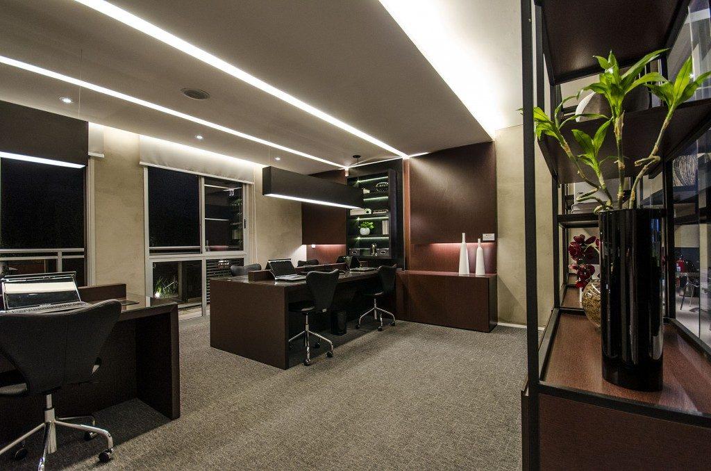 iluminacao-escritorio-iluminacao-semi-direta