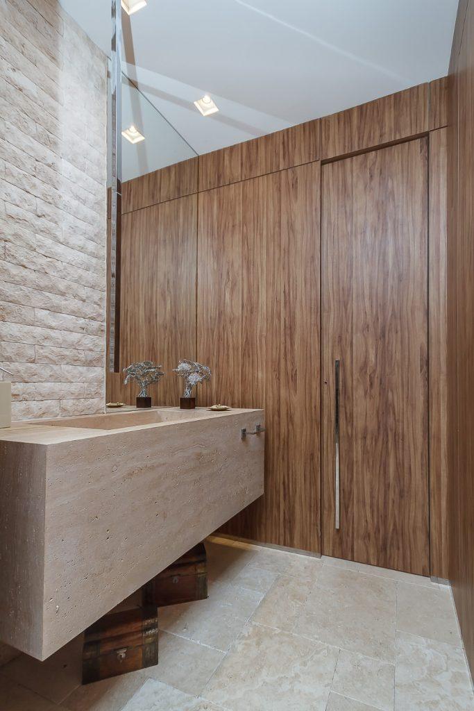 painel-de-madeira-onde-usar-porta-revestida