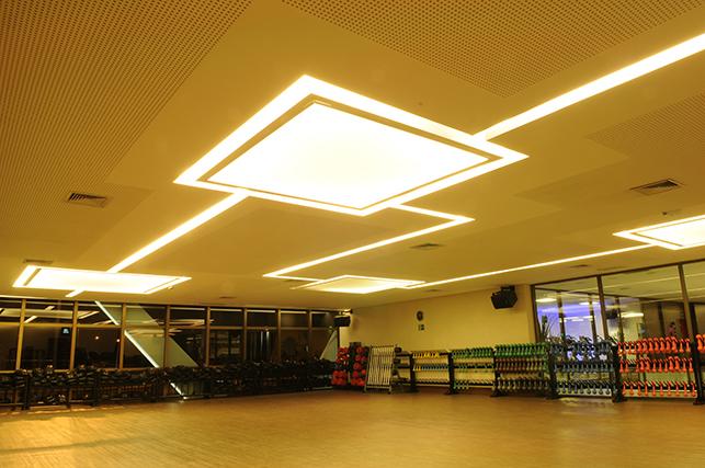 projetos-com-drywall-academia-bodytech-teto