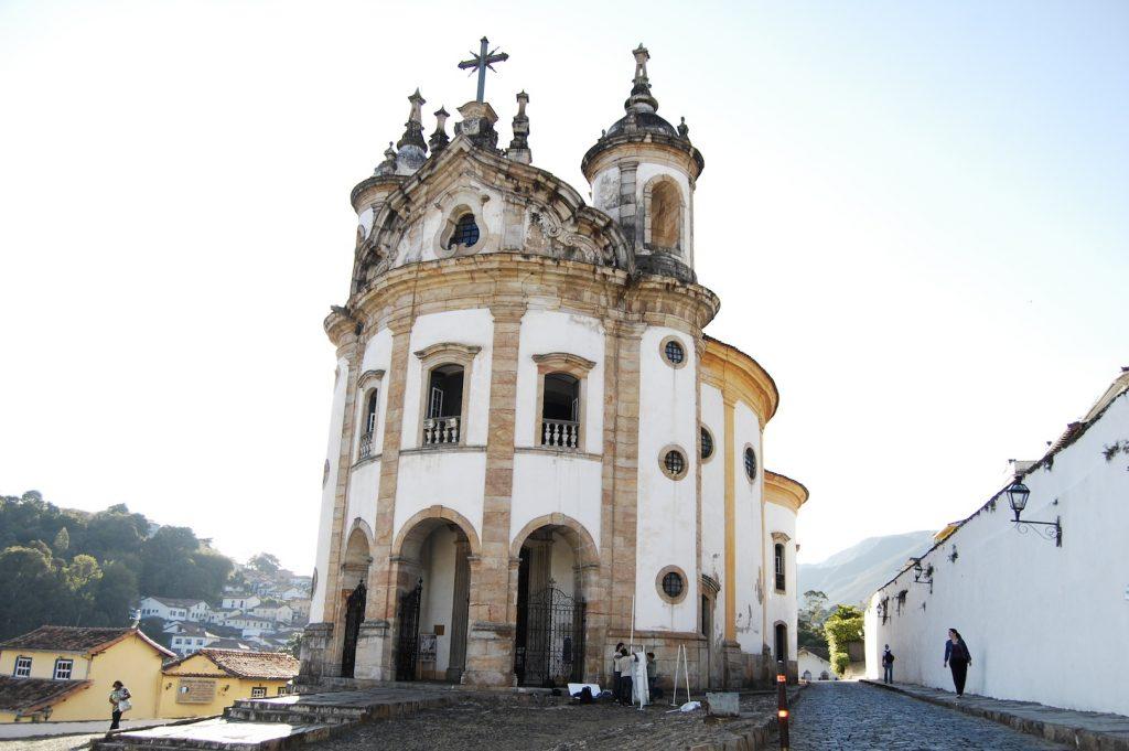 Arquitetura-portuguesa-igreja-nossa-senhora-do-rosario-ouro-preto
