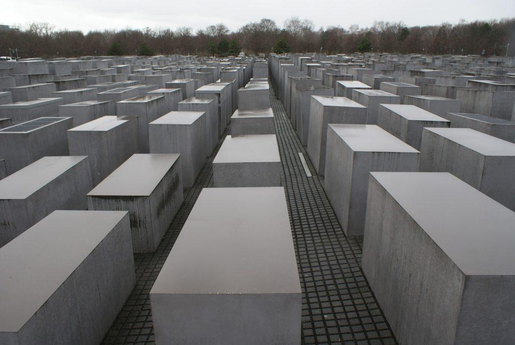 Peter-Eisenman-memorial-aos-judeus-mortos-europa