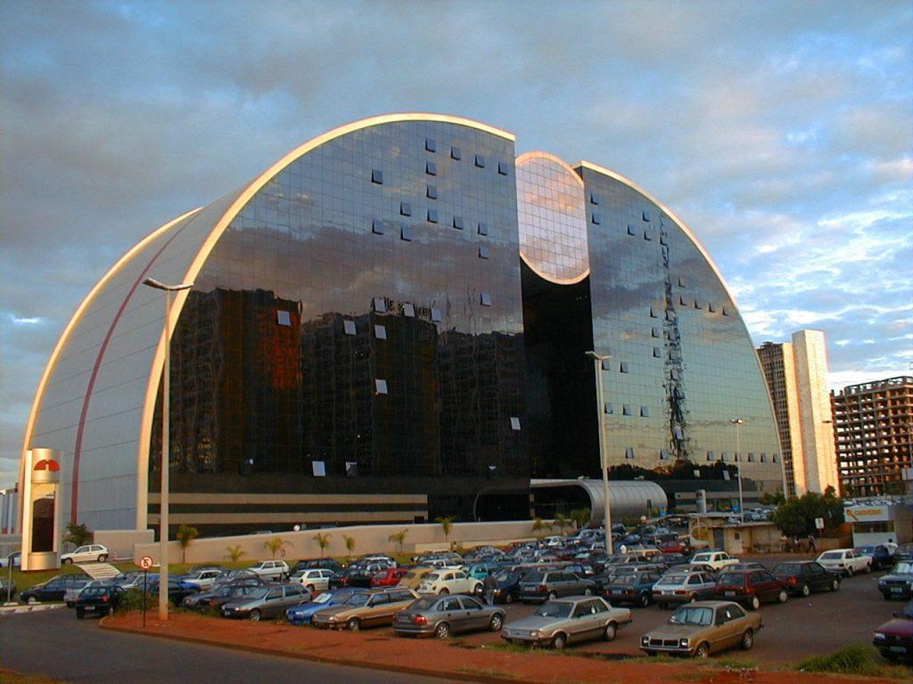 ruy-ohtake-brasilia-shopping