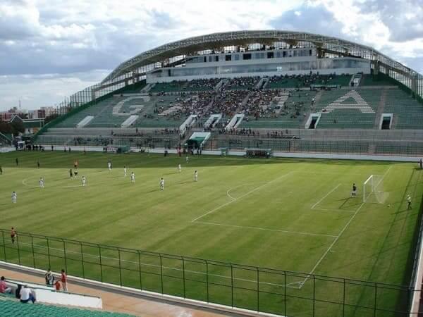 Ruy Ohtake: Estadio Valmir Campelo Bezerra, em Gama, no DF