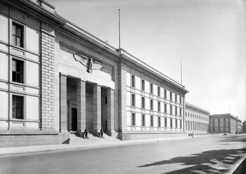 arquitetura-alema-Chancelaria-do Reich-Neue-Reichskanzlei