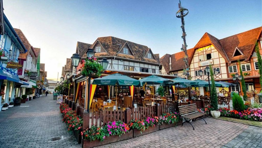 arquitetura-alema-cidade-blumenau-inspirada-cultura-alema