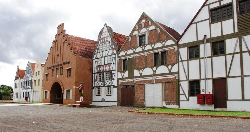 arquitetura-alema-parque-tematico-inspirado-cultura-alema-marechal-rondon