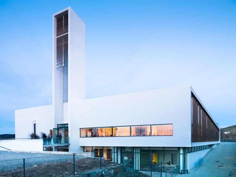 arquitetura-contemporanea-igreja-aldeia-Orstad