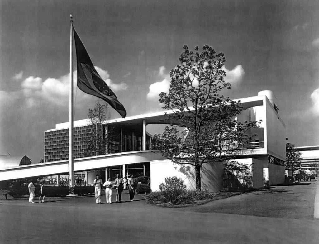 arquitetura-moderna-pavilhao-Brasil-na-Feira-Mundial