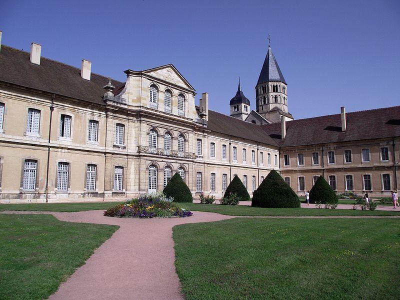 Arquitetura românica: Abadia de Cluny (foto: Pinterest)