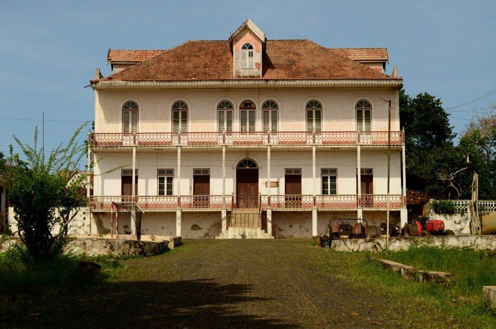 arquitetura-portuguesa-casa-do-periodo-colonial-em-sao-tome-e-principe