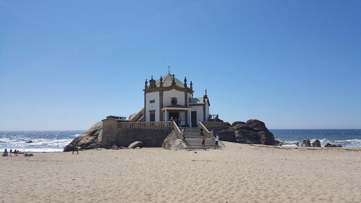 arquitetura-portuguesa-igreja-senhor-da-pedra-estilo-barroco