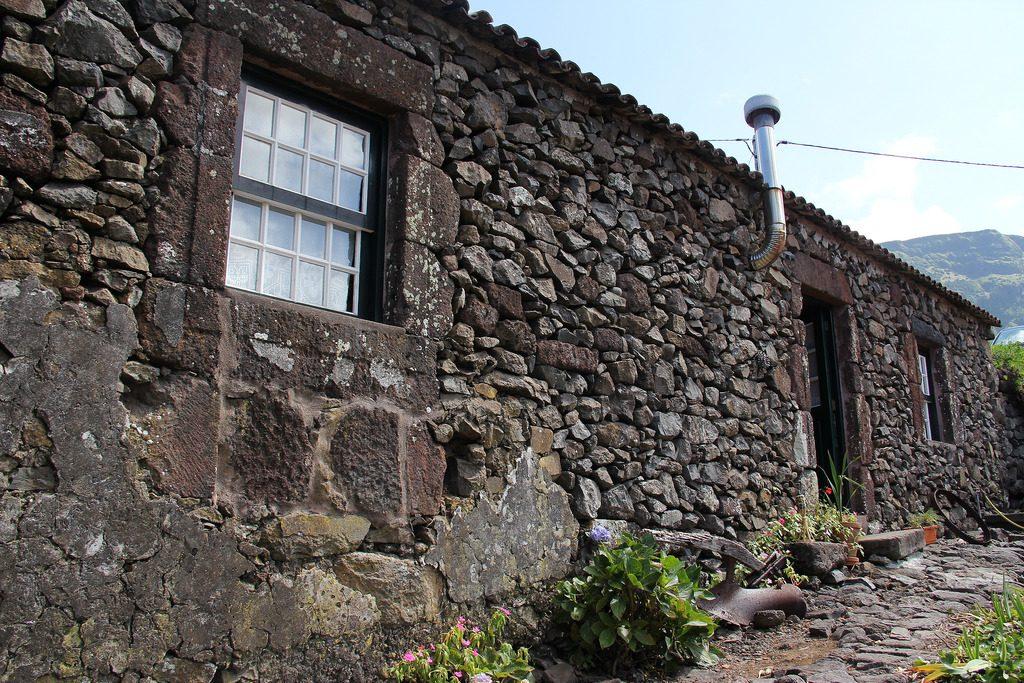 arquitetura-portuguesa-ilha-dos-acores-arquitetura-vernacular