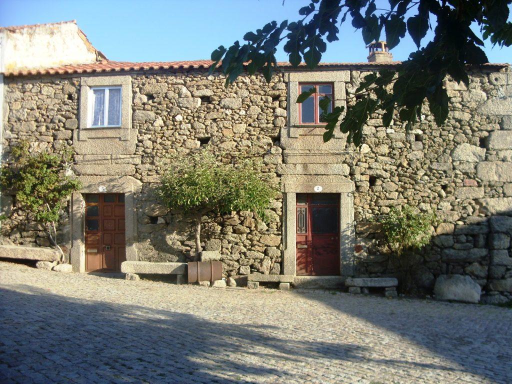 arquitetura-portuguesa-residencia-em-Bemposta-arquitetura-vernacular