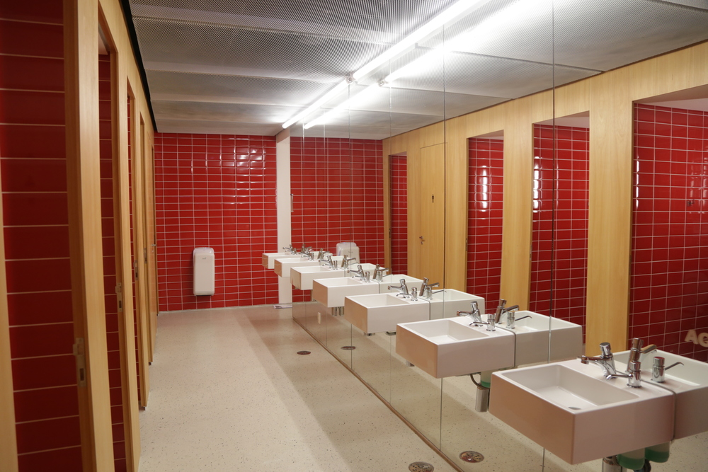banheiro-de-condominio-banheiros-de-uso-comum