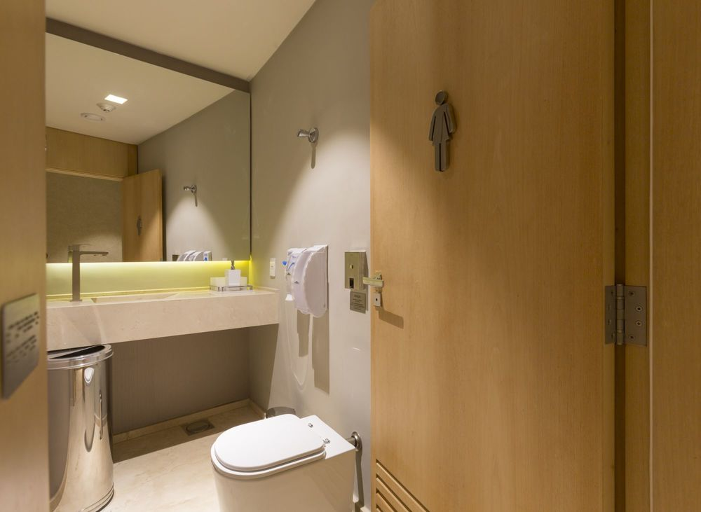 banheiro-de-condominio-salao-de-festas