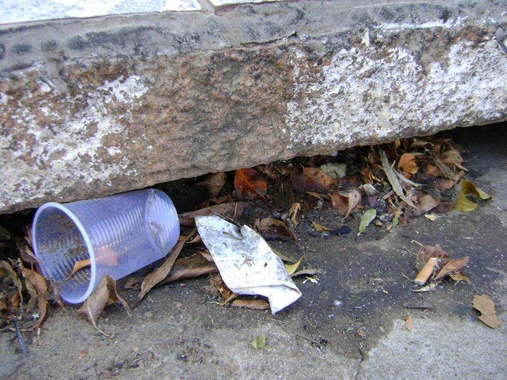 como-calcular-taxa-de-permeabilidade-bueiros-entupidos-lixo