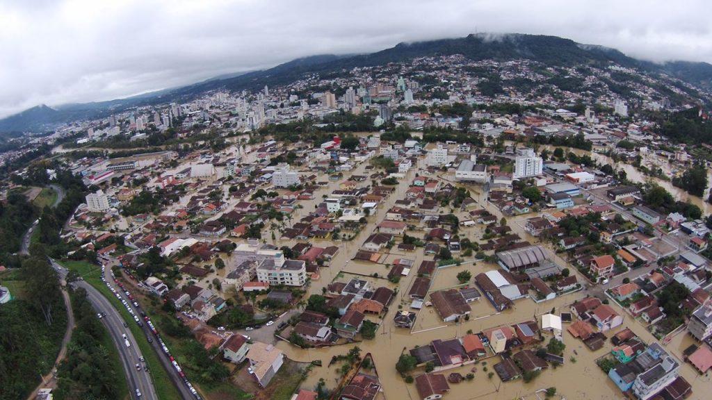 como-calcular-taxa-de-permeabilidade-enchentes-afetam-cidades