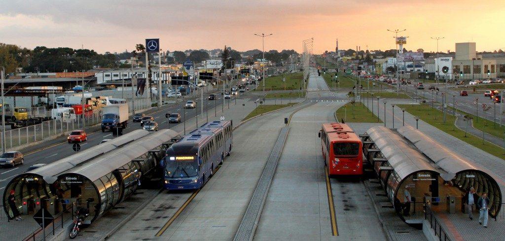 o-que-e-planejamento-urbano-BRT-Curitiba