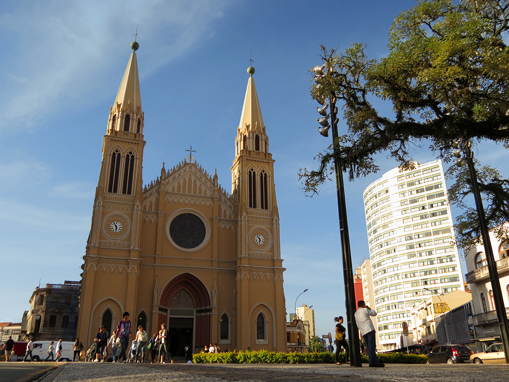 Arquitetura-Francesa-Catedral-na-Praca-Tiradentes